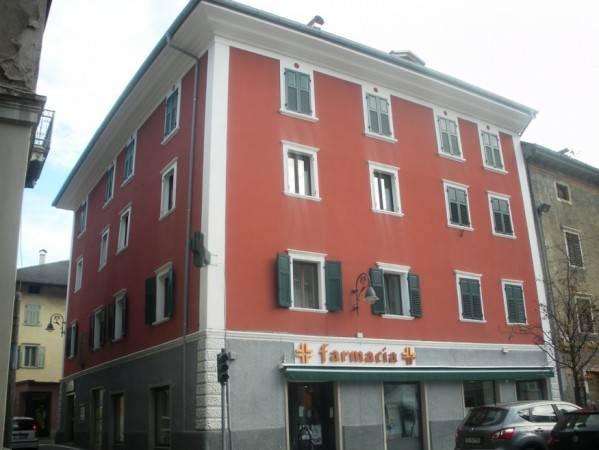 Appartamento in buone condizioni arredato in vendita Rif. 4889974
