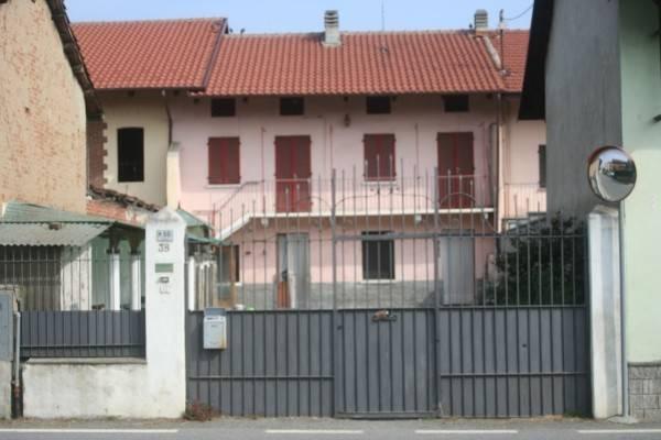 Rustico / Casale in vendita a San Francesco al Campo, 6 locali, prezzo € 125.000 | CambioCasa.it