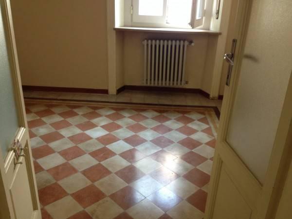Appartamento in buone condizioni parzialmente arredato in affitto Rif. 4401080