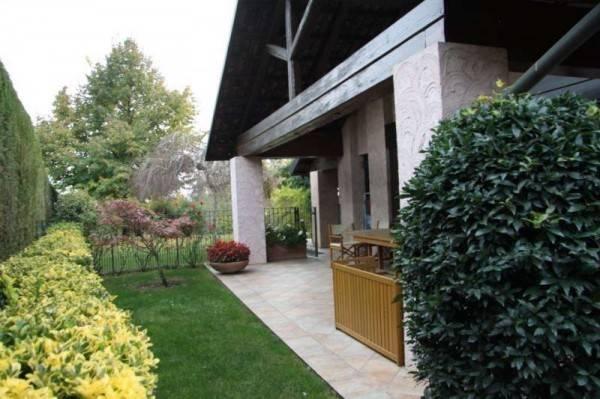Villa in affitto a Chieri, 6 locali, prezzo € 2.600 | CambioCasa.it