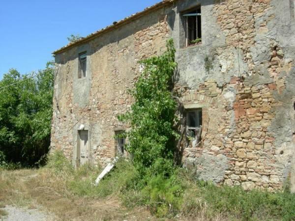 Rustico in Vendita a Volterra Periferia: 5 locali, 7450 mq