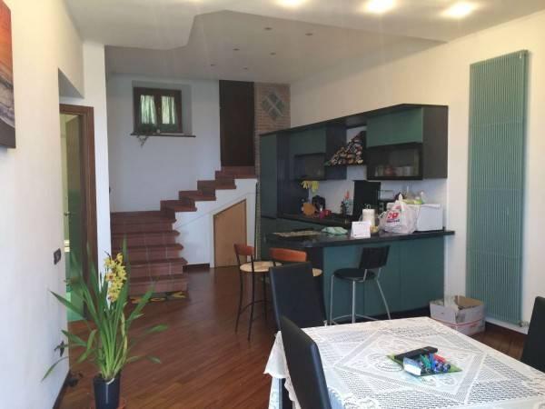 Appartamento in ottime condizioni arredato in affitto Rif. 9125088