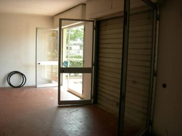 Negozio-locale in Vendita a Calcinaia Centro:  1 locali, 90 mq  - Foto 1