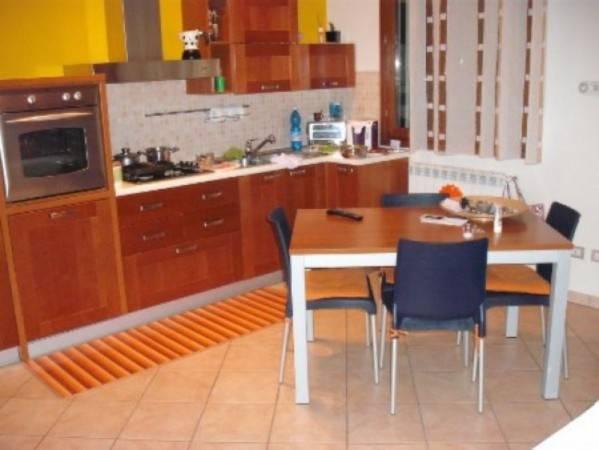 Appartamento in buone condizioni in vendita Rif. 8862302
