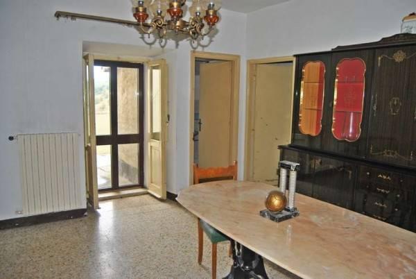 Appartamento in buone condizioni arredato in vendita Rif. 5001184