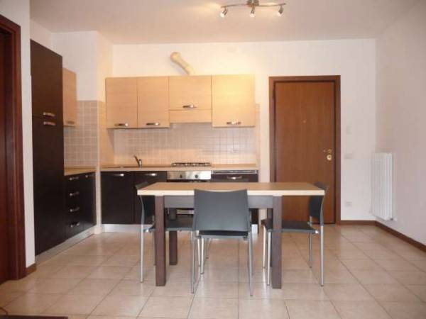Appartamento in Affitto a San Clemente: 3 locali, 80 mq