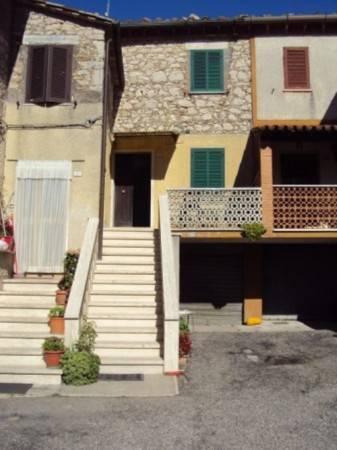 Appartamento in buone condizioni in affitto Rif. 4831895