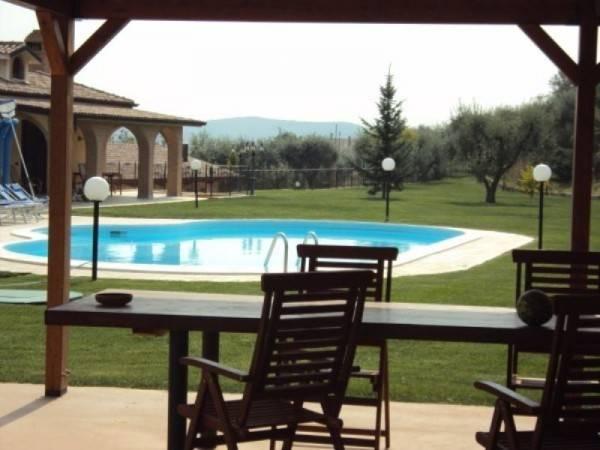 Cossignano villa casale con piscina
