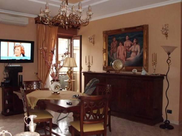 Appartamento in buone condizioni in vendita Rif. 8489716