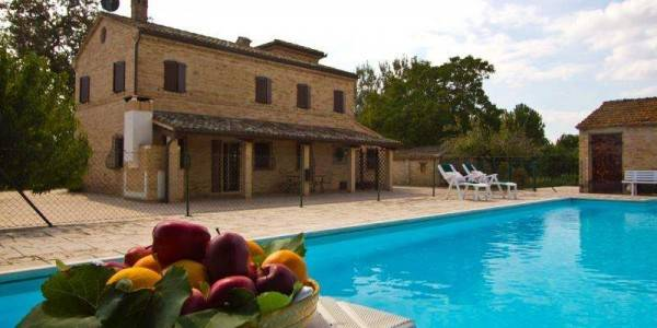 Villa in vendita a Treia, 5 locali, Trattative riservate | CambioCasa.it
