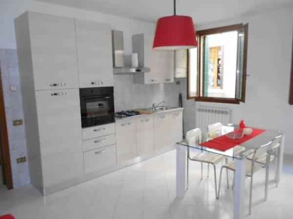 Appartamento in buone condizioni arredato in affitto Rif. 4316703