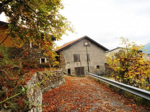 Villa in vendita a Molini di Triora, 3 locali, Trattative riservate | CambioCasa.it