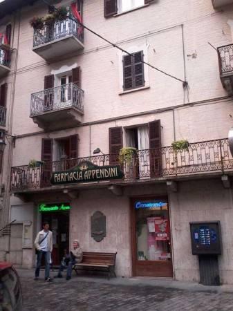 Appartamento in buone condizioni arredato in affitto Rif. 9136002