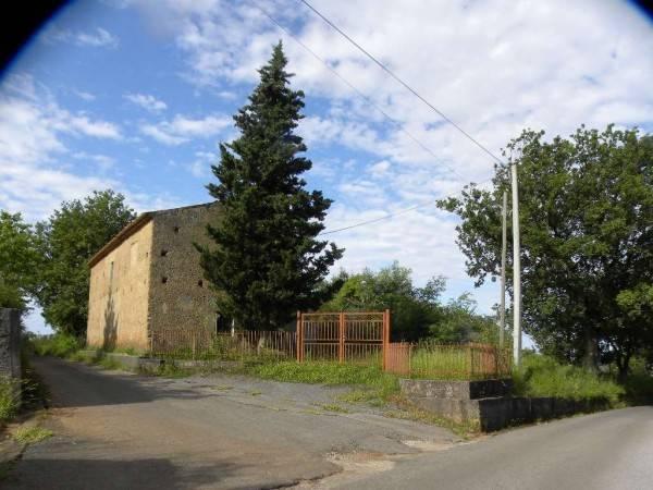 Rustico / Casale da ristrutturare in vendita Rif. 8659572