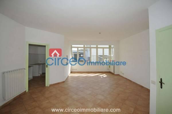 Appartamento in buone condizioni in affitto Rif. 4519139