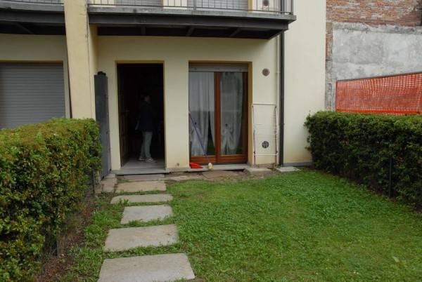 Appartamento in buone condizioni arredato in affitto Rif. 6646974