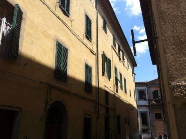 Appartamento in Affitto a Pistoia Centro: 4 locali, 80 mq