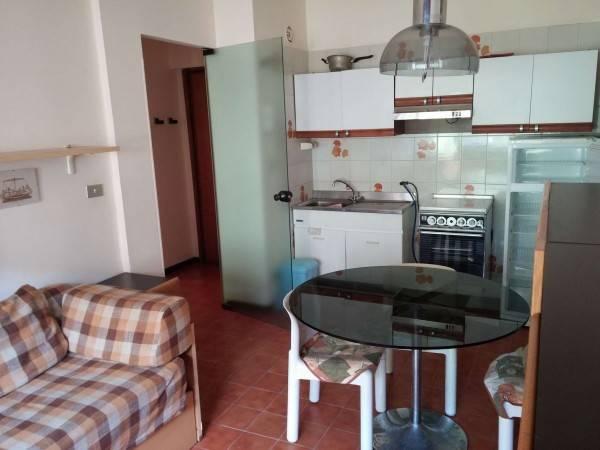 Appartamento in affitto a Ospedaletti, 2 locali, prezzo € 1.200 | CambioCasa.it