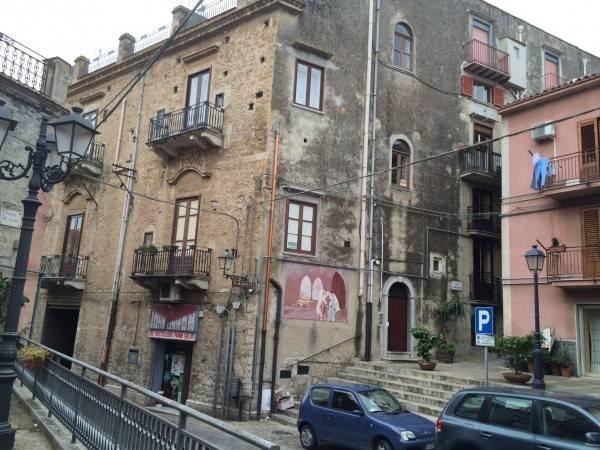 Appartamento in buone condizioni in vendita Rif. 4191471