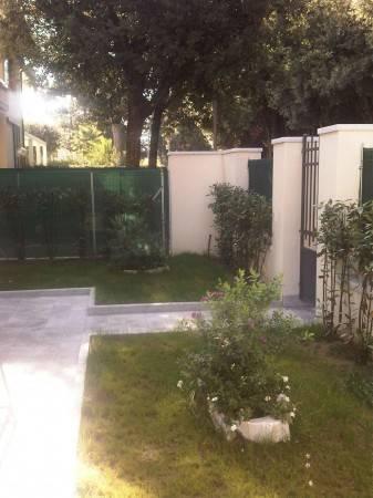 Appartamento in vendita a Pietrasanta, 4 locali, prezzo € 590.000 | PortaleAgenzieImmobiliari.it