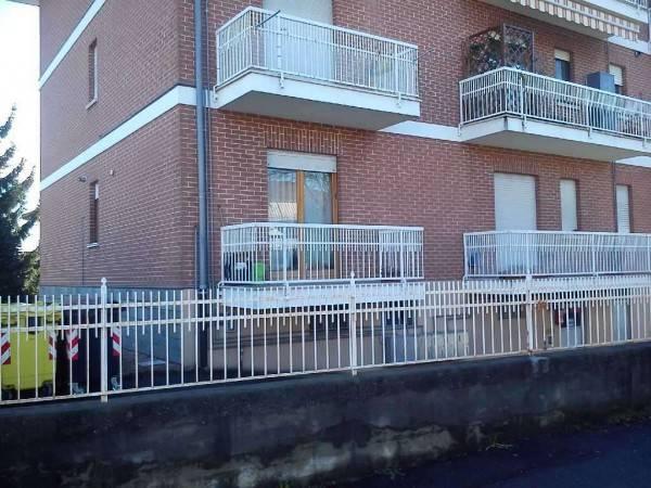 Appartamento in buone condizioni in affitto Rif. 6662341