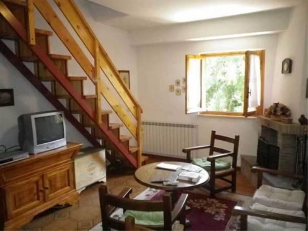 Appartamento in buone condizioni arredato in vendita Rif. 4500454