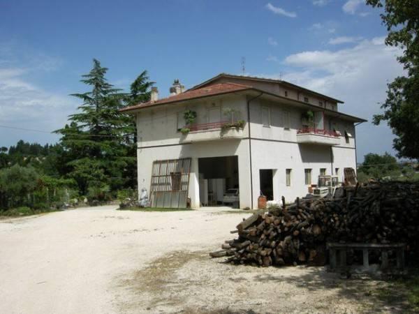 Casa Indipendente in buone condizioni in vendita Rif. 4375035