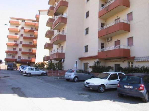 Appartamento in buone condizioni in vendita Rif. 4221167