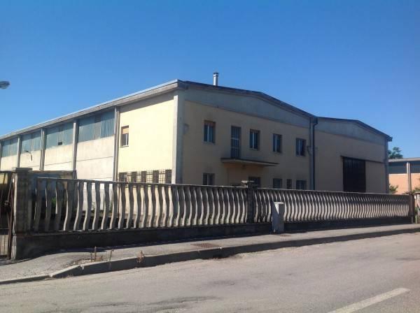 Capannone in affitto a Melegnano, 6 locali, prezzo € 2.500 | CambioCasa.it
