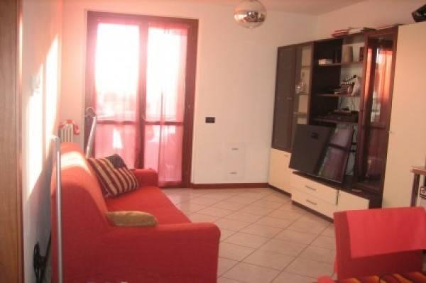 Appartamento in buone condizioni arredato in affitto Rif. 7472854