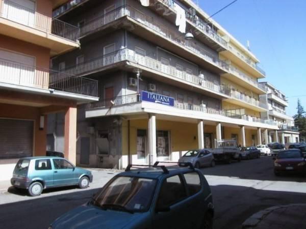 Appartamento in buone condizioni in vendita Rif. 4221153