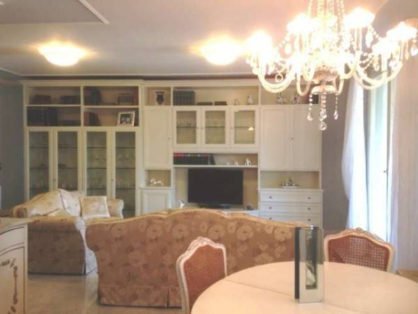 Appartamento in vendita a Forte dei Marmi, 3 locali, prezzo € 1.780.000 | PortaleAgenzieImmobiliari.it