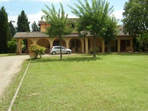 Villa in buone condizioni in vendita Rif. 8862308