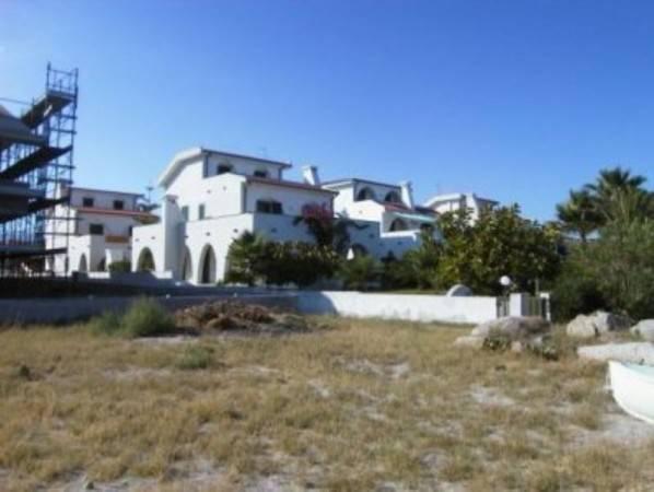 Villa in vendita a Riace, 6 locali, Trattative riservate | CambioCasa.it
