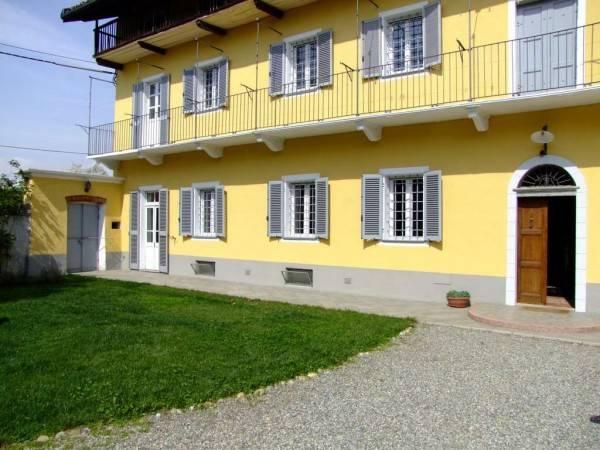 Villa in vendita a Ivrea, 9999 locali, Trattative riservate | PortaleAgenzieImmobiliari.it