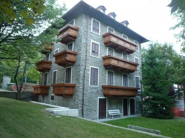 Appartamento in buone condizioni arredato in affitto Rif. 5016231