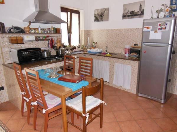 Casa Indipendente in buone condizioni in vendita Rif. 4289958
