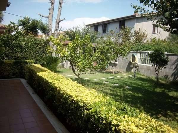 Villa in vendita a Ladispoli, 5 locali, prezzo € 275.000 | CambioCasa.it