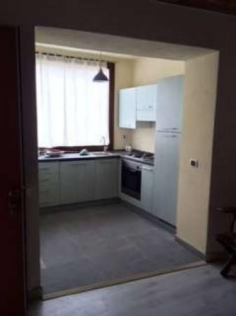 Appartamento in buone condizioni arredato in affitto Rif. 7109575