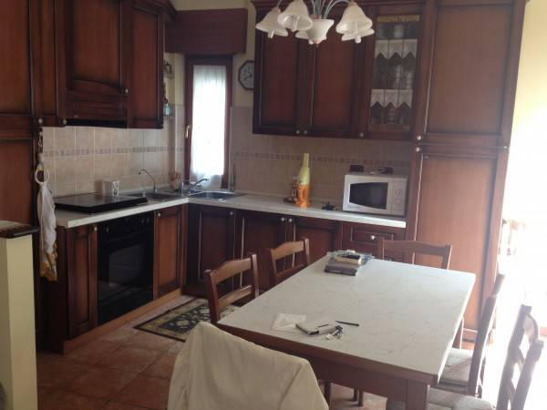 Appartamento in ottime condizioni arredato in affitto Rif. 4401186