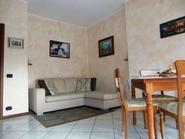 Appartamento in vendita a Canzo, 4 locali, prezzo € 125.000 | PortaleAgenzieImmobiliari.it
