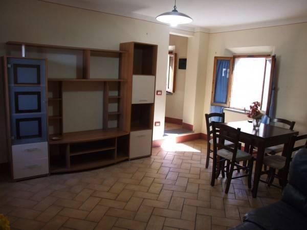 Appartamento in ottime condizioni arredato in vendita Rif. 8112111