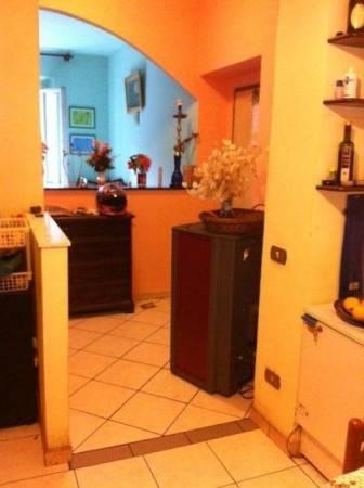 Appartamento in buone condizioni in vendita Rif. 4867332