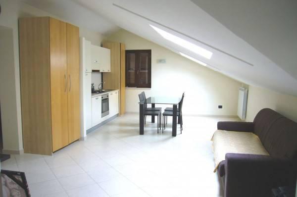 Attico / Mansarda in ottime condizioni arredato in affitto Rif. 8399403