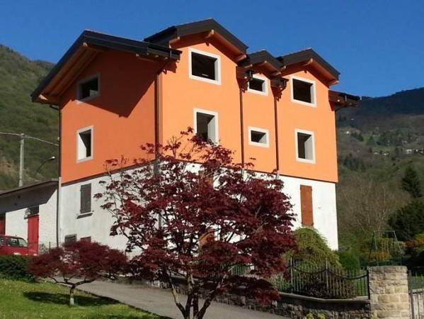 Palazzo / Stabile in vendita a Algua, 6 locali, prezzo € 250.000 | CambioCasa.it