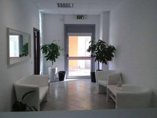 Ufficio / Studio in affitto a Ariccia, 9999 locali, Trattative riservate | CambioCasa.it