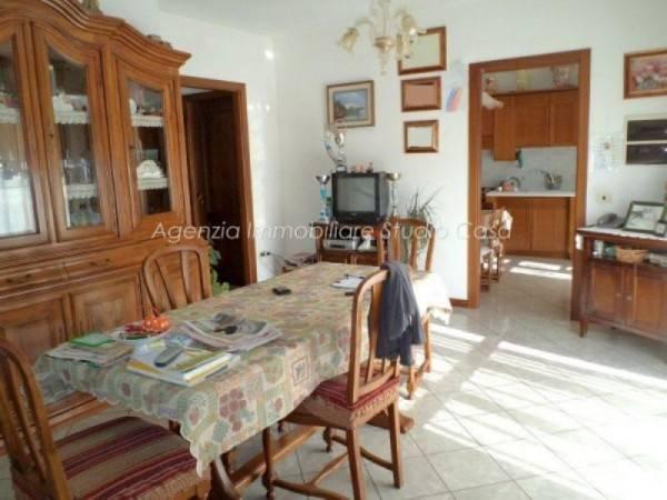 Appartamento in buone condizioni in vendita Rif. 4173846