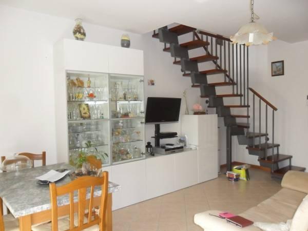 Appartamento in vendita a San Clemente, 3 locali, prezzo € 110.000 | CambioCasa.it