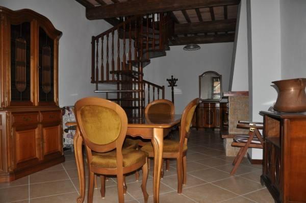 Appartamento in ottime condizioni parzialmente arredato in vendita Rif. 4244529