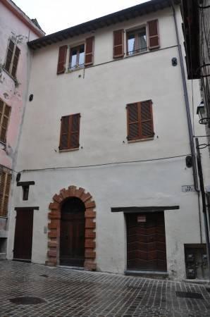 Appartamento in ottime condizioni in vendita Rif. 4244530